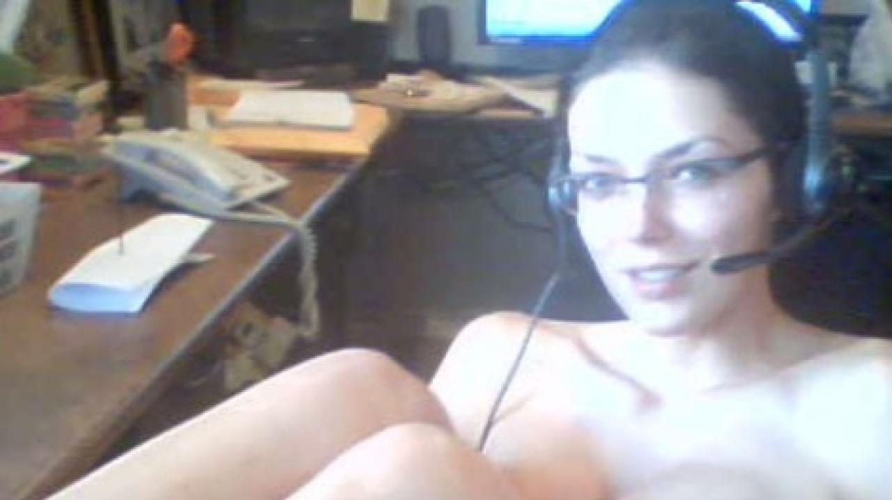 Nackt vorm pc