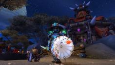 World of Warcraft: Mönch mit Schirm in der Nebenhand